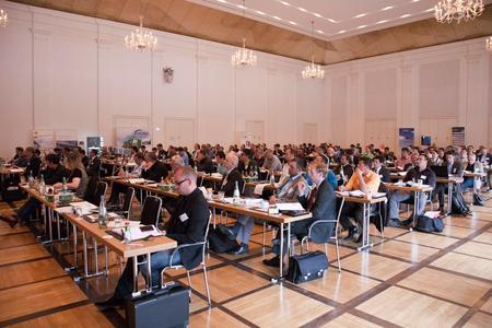 Für die KWK-Jahreskonferenz 2015 werden rund 120 Teilnehmerinnen und Teilnehmer erwartet (Bild: BHKW 2013 - BHKW-Infozentrum)