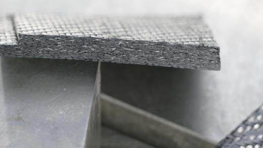 Prepreg CFK / vorimprägnierte Carbonfasern – Schnittergebnis mit Ultraschallunterstützung