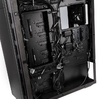 ELITE bei Caseking: Phanteks präsentiert den modularen Super-Tower Enthoo Elite als ultimatives Case!