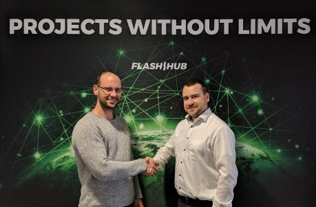Manuel Pistner (links), CEO Bright Solutions, freut sich auf die Zusammenarbeit mit Rouven Volk, CEO Powerpool Solutions R+D, als neuen Flash Hub Partner