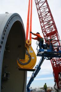 Die SpanSet Axzion GmbH liefert Speziallösungen für Transport und Montage von Großkomponenten