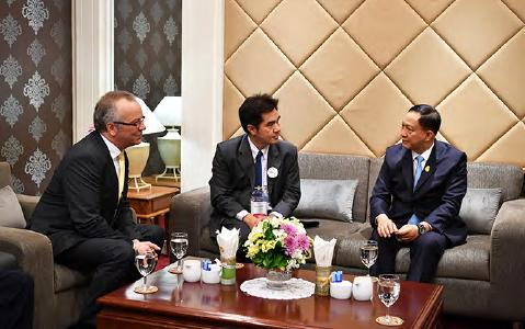 Dr.-Ing. Roland Boecking, General Manager of DVS (left), met the Thai Minister of Labour, H.E. Police General Adul Sangsingkeo (right), for a face-to-face discussion in Bangkok/Thailand (Source: KMUTNB)