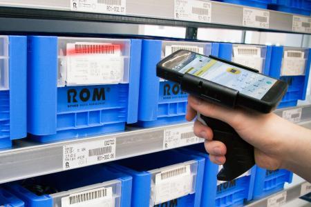 Das neue MDE von REYHER ermöglicht eine komfortable Auftragserfassung per Barcode-Scan