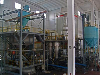 The new spray tower for granulated casting powder produces 15,000 t/year.
