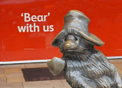"""Bear"" belongs to the English words ending with -ar."