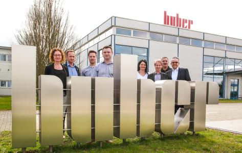 From left to right.: Beatrice Geiler (Member of the Board Huber), Joachim Huber (Vice Chairman Huber), Mirko Laskowski (CEO VDH), Andrej Kepler (CEO VDH), Bärbel Huber (Member of the Board Huber), Christoph Plagens (Previous owner VDH), Frank Rieger (Supervisory Board Huber), Daniel Huber (Chairman Huber)
