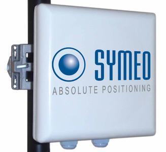 Das Symeo LPR 1DXi Modul integriert Antenne und Auswerte Elektronik in ein nur 190 x 190 x 80 mm großes, kompaktes Gehäuse