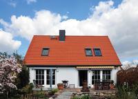 Blick auf das Einfamilienhaus in Berlin-Spandau vor Installation der Photovoltaikanlage (Fotos: bpr/IWO)