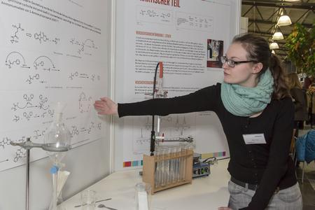 """Erneut Regionalsiegerin: Biologiestudentin Ulrike Franz gewann mit ihrer Arbeit """"Neue Totalsynthese des Naturstoffs Coprin"""""""