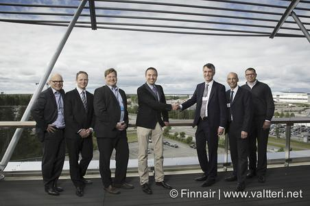 Lödige Industries unterzeichnet Vertrag über Logistikprojekt mit Finnair Cargo | Lodige Industries sign the contract for the logistic project with Finnair Cargo