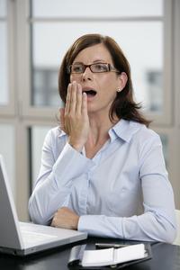 Relaxende Wellness für die Augen: gepflegtes Gähnen