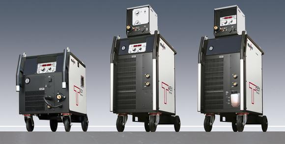 Gehobene Ausstattung, zusätzliche Schweißprozesse – die fahrbaren Stromquellen vom Typ Taurus. Maschine, Transportwagen und Kühlgerät bilden eine robuste Einheit, Foto: EWM