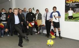 Sepp Maier sorgt für Fußballstimmung in Soest