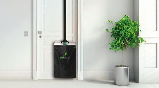 Der PakSafe nimmt Pakete entgegen wenn niemand zuhause ist und ist als mobile Lösung auch für die Nutzung in Mehrfamilienhäusern geeignet (Bild: GÖDE Holding GmbH & Co. KG)