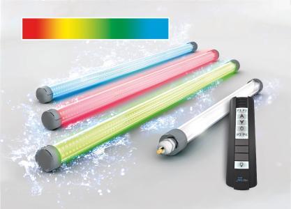 Die neue LED-Schachtbeleuchtung von BINDER taucht die Wasseroberfläche des Pools in ein stimmungsvolles Licht