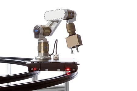 Servus schafft für Greifarmroboter eine neue noch nie da gewesene Mobilität und hilft den Anwendern sparen Bildquelle:  Jens Ellensohn