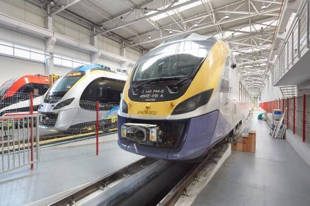 Seit 2010 arbeiten Weidmüller und der polnische Zughersteller NEWAG zusammen und entwickeln gemeinsam Lösungen für die Hochtechnologiezüge (©Ralf Baumgarten/HANNOVER MESSE)