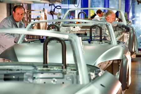 Am Puls der Zeit bleiben: Unternehmen aus der Automobilindustrie bewerten die Weiterbildung in technischen Fachkompetenzen als unerlässlich, Bild: VDI / Thomas Ernsting