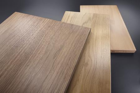 Die geölte Fläche überzeugt durch eine edle Holz-Optik und eine ansprechende Haptik mit samtigem Charakter.