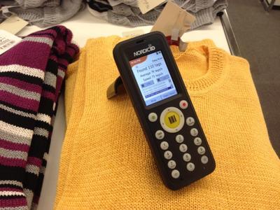 In der Fashionbranche erbringt RFID vielfältige Mehrwerte. Das RFID Konsortium zeigt auf dem RFID-Kongress 2014 wie die Technologie gewinnbringend eingebracht werden kann – und das nicht nur in der im Modehandel, sondern in zahlreichen Prozessen unterschiedlicher Branchen.