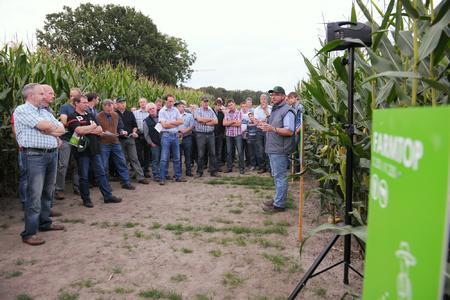 Landwirte auf dem Feldtag in Alverskirchen