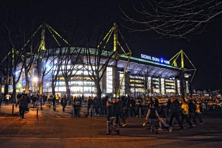 Dortmund_Signal_Iduna_Park_Pressebox.jpg