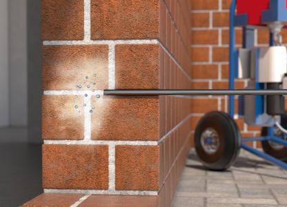 Kiesol C plus kann mittels Kolbenpumpe in die vorbereiteten Bohrlöcher eingebracht werden. Grafik: Remmers, Löningen