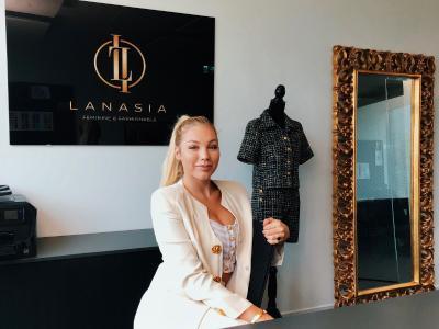 Lisa-Maria Beck ist ISM-Absolventin und gründete ihr eigenes Start-up LANASIA. / ISM
