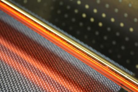 Xenon-Blitzlampen in verschiedenen Formen und Größen kommen beim Testen von Solarzellen und Solarmodulen zum Einsatz. (Foto: Heraeus)