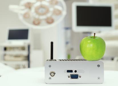 e-medic™ XS-M: Ein besonders robustes Medical-PC-System mit geringen Abmessungen