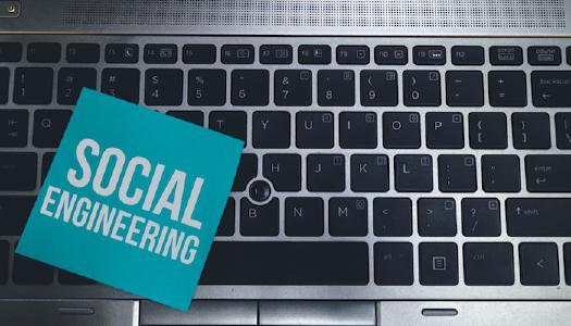 Social Engineering: Der Mensch im Mittelpunkt der IT Security