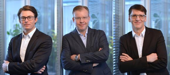 Neue Führungsstruktur bei VBM (v. li.): Matthias Bauer, Florian Fischer und Günter Schürger bilden künftig gemeinsam die Geschäftsführung des Unternehmens / Foto: Vogel Business Media/J. Untch