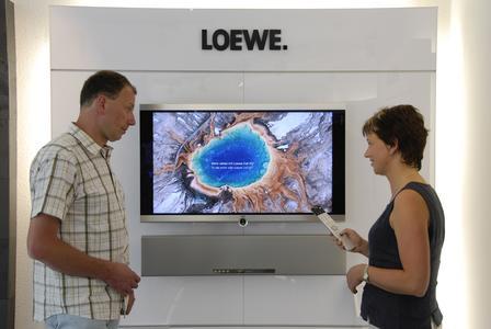 In der Loewe Galerie von Frank Heinze in Chemnitz wurde der 6.000 Individual Sound Projector verkauft.