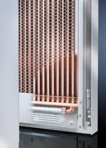 Wesentliche Neuerung beim LCP Hybrid ist die zusätzlich integrierte Heatpipe. Bei ungleichmäßigem Ausbau des Racks wird hierdurch eine homogene Nutzung des Wärmetauschers erreicht  (Quelle Rittal GmbH & Co. KG )