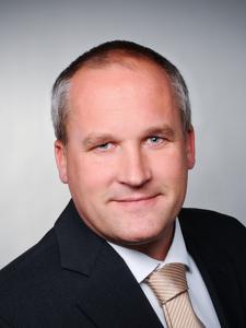 """Caparol-Produktmanager Heiko Riggert: """"Die wichtigsten Kriterien bei der Wahl des richtigen Innendämmsystems sind Wohnkomfort, Behaglichkeit und Schimmelprävention, bei gleichzeitiger Reduzierung der Heizkosten.""""  (Fotos: Caparol Farben Lacke Bautenschutz)"""