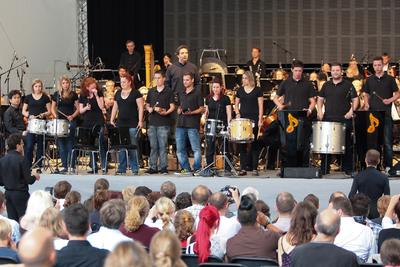 Standing Ovations für (e)motion