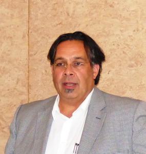 """Nachvollziehbar messen: """"Da zum Bau jedes Hauses Baustoffe und Materialien unterschiedlichster Art, Herkunft und Zusammensetzung verwendet werden und sie in der Praxis miteinander harmonieren müssen, ist bei Raumluftanalysen unbedingt das wechselseitige Reaktionsverhalten zu berücksichtigen"""", fordert DHV-Vorstandsmitglied Ahmed Al Samarraie. Foto: Achim Zielke/DHV, Ostfildern; http://www.d-h-v.de"""