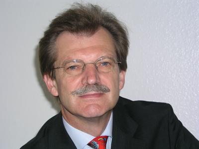 Dr.Oswald Römer