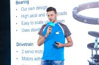 The team from the Netherlands participates in the contest for the first time. The student presents its design principles, features and applications of the robotic wrist to the judges