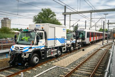 Unimog in tandem control mode in the Netherlands