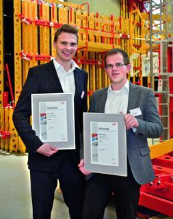 Die Sieger der achten internationalen PERI Baubetriebsübung kommen von der Universität Stuttgart und heißen Matthias Mager und Robert Poller (Foto: PERI GmbH)