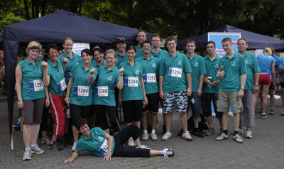 2300 Läufer beim Thüringer Unternehmenslauf in Erfurt – Königsee Implantate war dabei