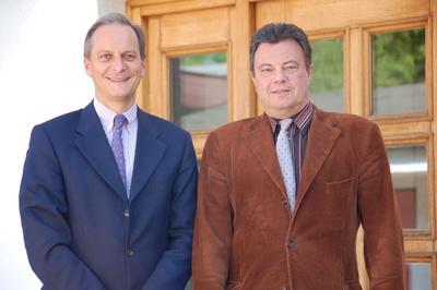 Geschäftsführer Dipl.-Kfm.Hans-Jörg Schmitz-Senge (links) und sein kaufmännischer Leiter Dipl.-Kfm. Carl Spiegl arbeiten seit über zehn Jahren mit Bau für Windows. (Quelle: Schmitz GmbH)