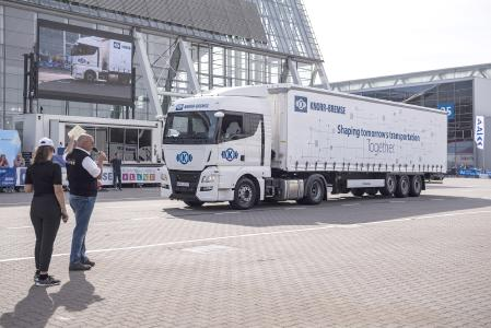 The driverless truck: In the outdoor area, the Highway Pilot from Knorr-Bremse demon-strated just what an autonomous vehicle is already capable of   © Knorr-Bremse