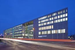 """""""Fachingenieure Gebäudeautomation VDI""""  sorgen für ein ressourcenschonendes Gebäudemanagement (Bild: VDI Wissensforum / Holger Knauf, Düsseldorf )"""