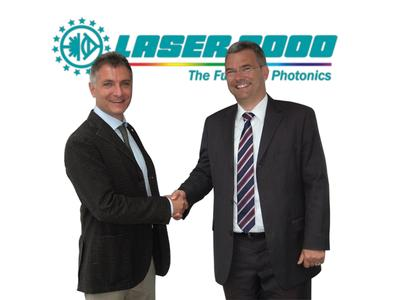 Herr Luca Magni Marketing and Sales Manager bei MPD und Dr. Holger Stupp Sales Group Manager bei Laser 2000 GmbH