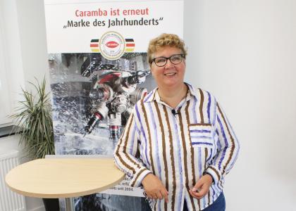 Angelika Schöneberg, Head of IT bei Caramba, erläutert die Vorteile der cloud-basierten SAP-CRM-Lösung und die gute Zusammenarbeit im Team, im Zusammenspiel Vertrieb & IT. Urheber: Caramba