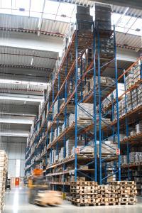 Neue Logistikkapazitäten bei Gebrüder Weiss in Bratislava: 5.000 Quadratmeter Lagerfläche und 2.200 Quadratmeter Umschlagsfläche sind hinzugekommen. (Quelle: Gebrüder Weiss)