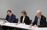 Bundeswehr und BWI unterzeichnen neuen Leistungsvertrag.