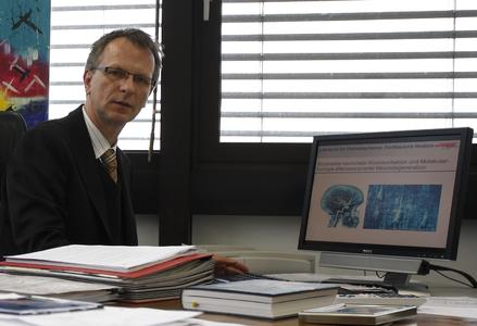 BINDER Innovation Prize awarded to Prof. Dr. Christian Behl by the German Society for Cell Biology
